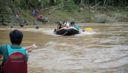 DMC Dompet Dhuafa Bantu Proses Evakuasi Warga