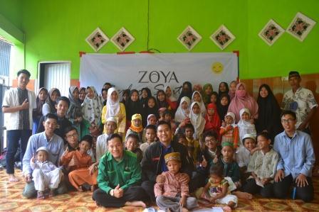 berbagi santunan DD Sumsel dan Zoya di Panti Asuhan Amal Ma'ruf, Senin (4/6)
