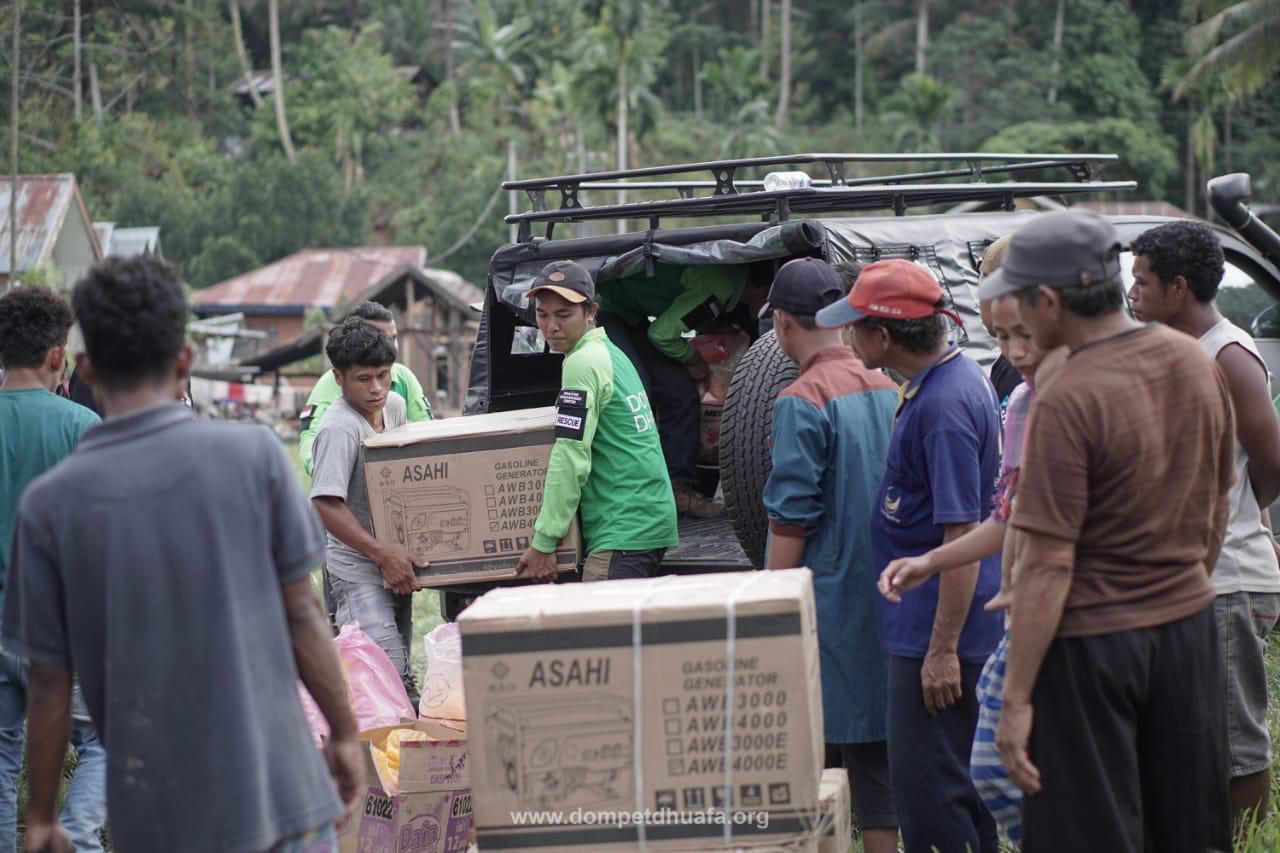 Bertahan Hidup Di Tenda Tanpa Listrik Dompet Dhuafa Terangi